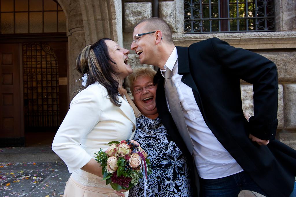 Brautpaar und Bautmutter